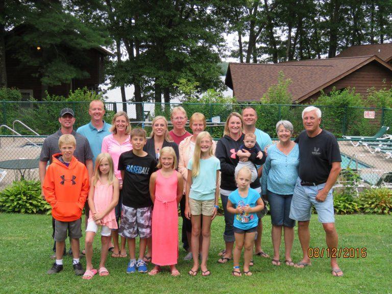 Pats Landing Resort Family Group
